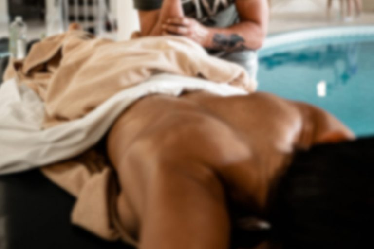 common-massage-therapy-injuries-and-how-to-prevent-768x512