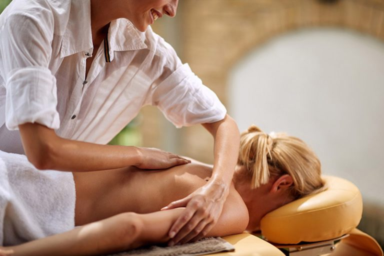 what-is-a-deep-tissue-massage-768x512