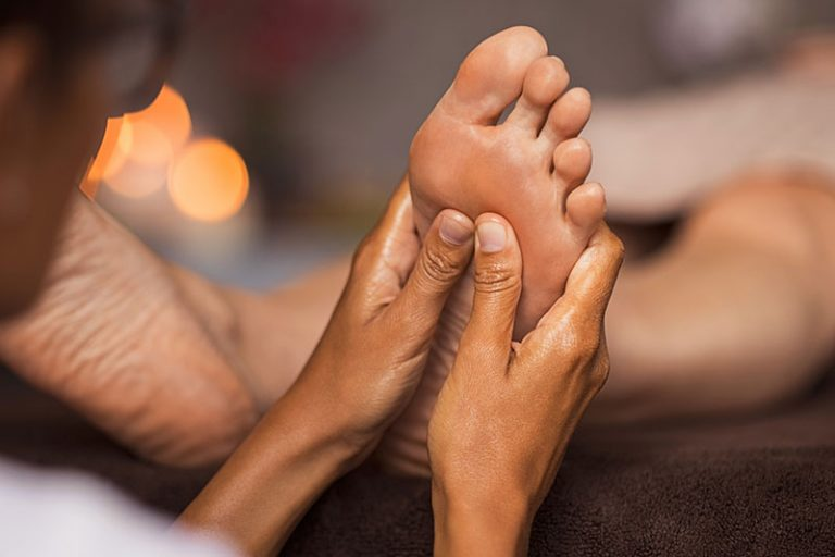 what-is-foot-reflexology-768x512